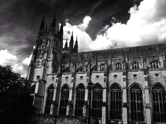 Canterbury Cathedral : Everyone's Home Amazing architecture, It's a church with lots of churches inside. You can here G