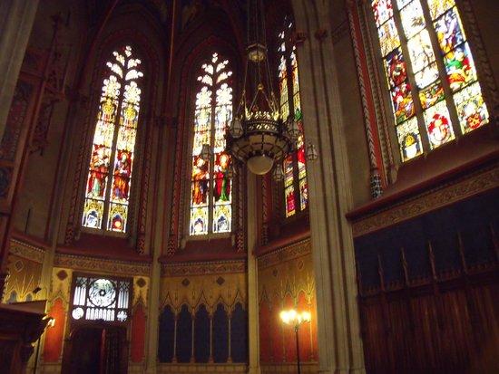 Cathedrale de St-Pierre : Vista interior de la Catedral de San Pedro