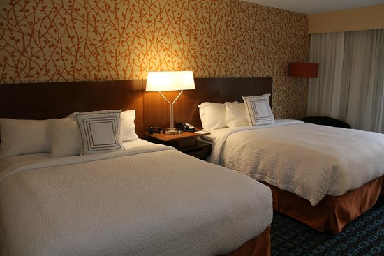 Fairfield Inn & Suites West/Greece: Comfortable Bedding