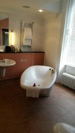 Seaham Hall: Massive bath