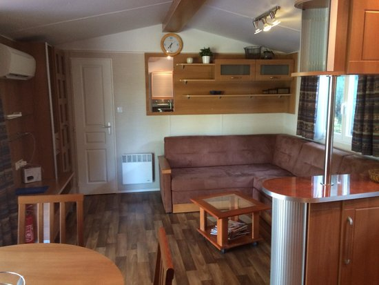 Camping La Nautique : 6-X mobile home.
