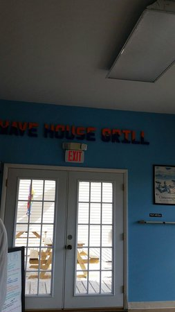 Wave House Grill: Great Decor