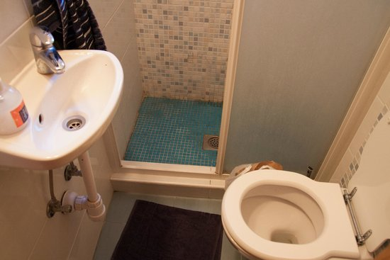 Split Central Apartments : Bathroom