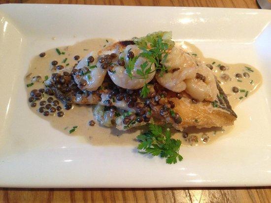 SA3 Bistro: Wild sea bass with Lentils