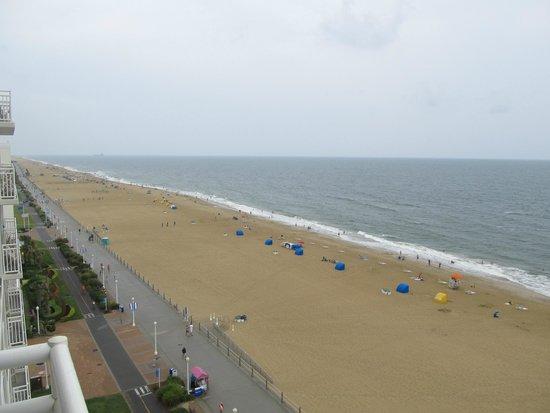 Courtyard Virginia Beach Oceanfront/South: Beautiful Beach