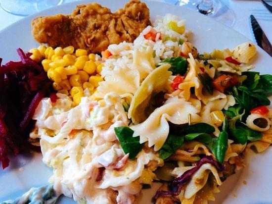 Puerto Azul Suite Hotel: Food