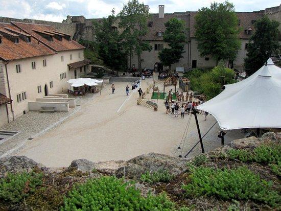 Château du Hohlandsbourg : dans la cour