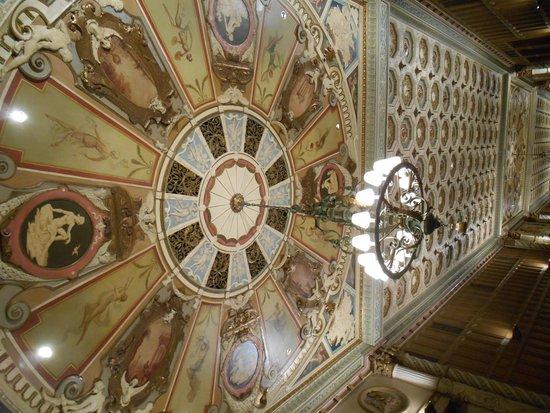 Millennium Biltmore Hotel Los Angeles: ceiling