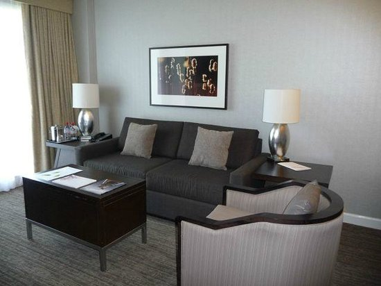 Westin Trillium House Blue Mountain : One bedroom suite - living area