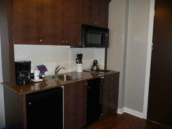Westin Trillium House Blue Mountain : One bedroom suite - kitchenette