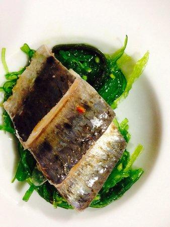 La Table de Loïc : Amuse- bouche : sardine marinée au wakame (algue japonaise)