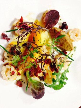La Table de Loïc : Calamars grillés, melon poêlé, mousse d'aubergine, chorizo