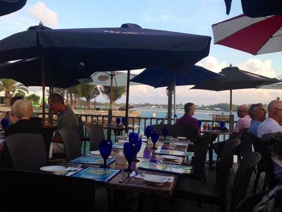 Wahoo's Waterside Bistro & Patio: Outdoor seating