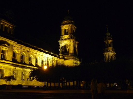 Bruehl Terrace: Dresden by night