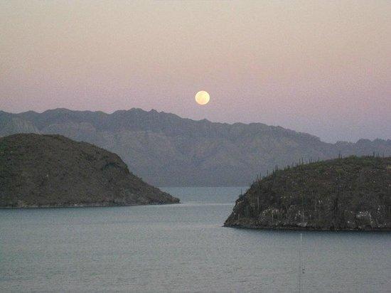 Casa de los Suenos: Watching the moon rise from the veranda