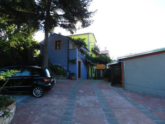 Borgo Lamurese: Cortile.