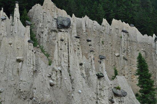 Hotel Lanerhof: Piramidi di terra si Perca