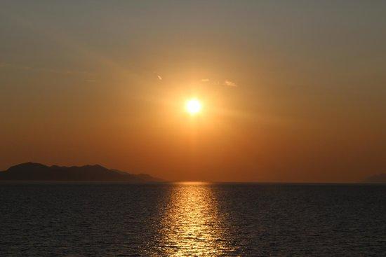 Lafodia Hotel & Resort: coucher de soleil du bout de l'ile