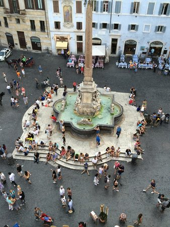 Hotel Abruzzi : Fountain view