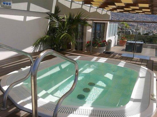 TUI SENSIMAR Savoy Gardens : Rooftop sun terrace jacuzzi