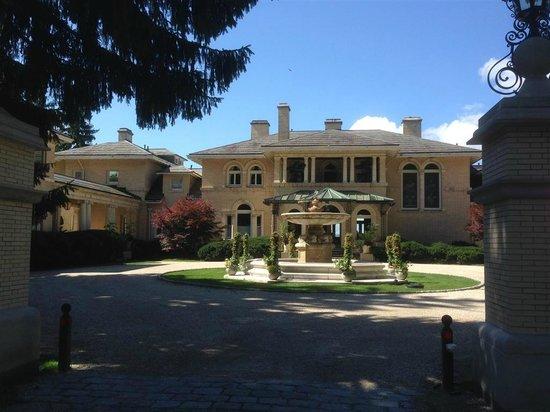 Wheatleigh: main courtyard