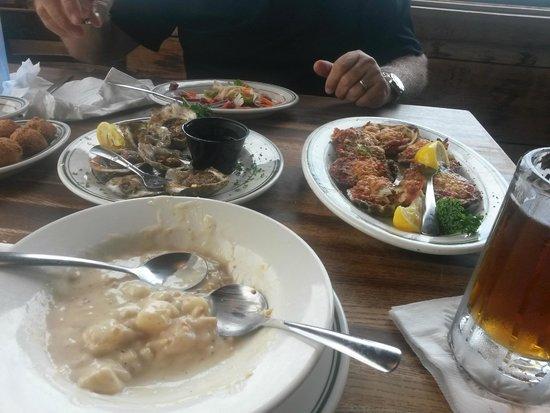 Original Oyster House: food