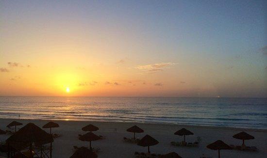 The Royal Sands: Beach at Sunrise