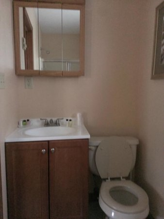 Woodfield Manor, a Sundance Vacations Resort: Clean Bathroom