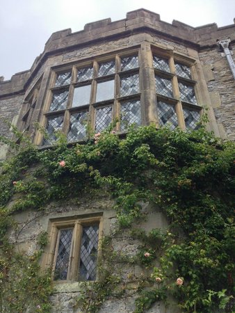 Haddon Hall: Beautiful windows