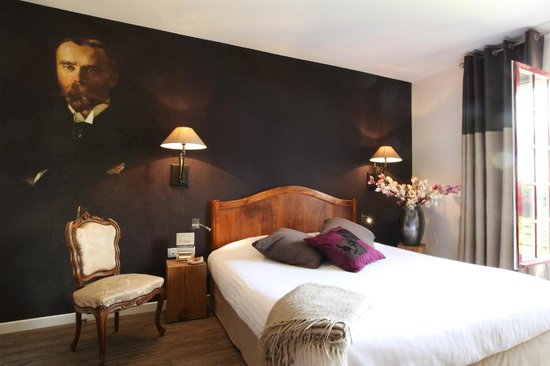 Hotel La Croix Blanche Fontevraud: Hunting room - Chambre chasse