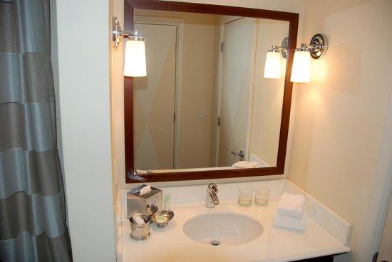 Kimpton Angler's Hotel: Sink