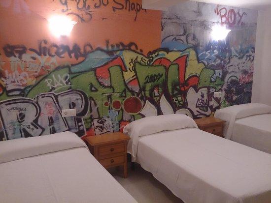 Emedos Hostel