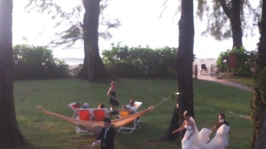 Lone Pine Hotel : видимо популярное место для свадебных фотосессий