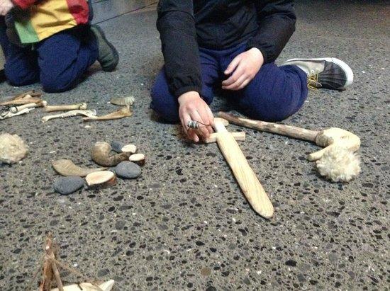 Reykjavík 871±2 : Rocks, shells, bones and carved wooden toys