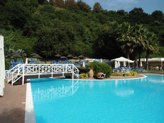 La piscina foto di agave hotel residence inn pozzuoli for Agave naples
