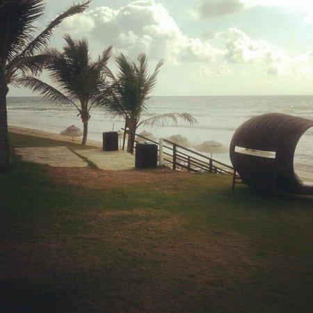 Hotel Solar Porto de Galinhas: Espreguiçadeiras a beira mar