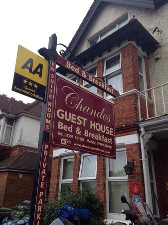 Chandos Premier Guest House: Chandos!