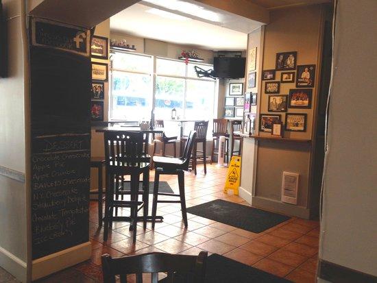 Humphry's Restaurant and Pub: Pub