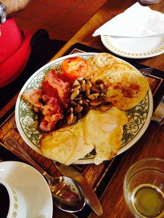 Kajon House B&B : Irish Breakfast!!!