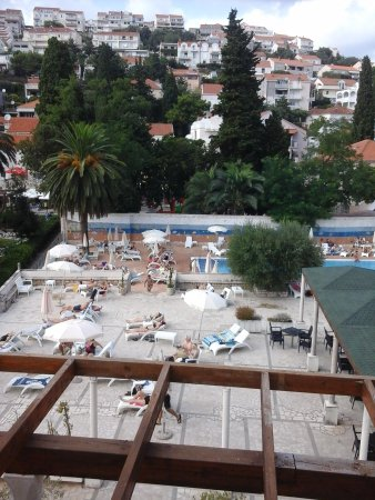 Grand Hotel Park: view of pool from room