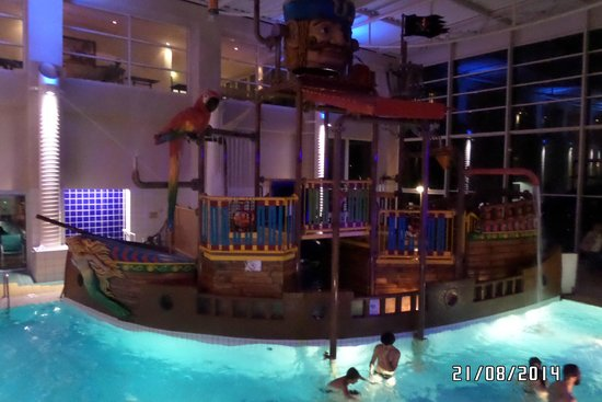Explorers Hotel: pool