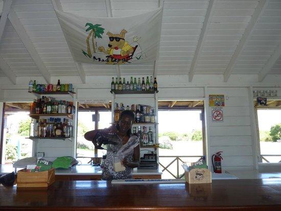 Mad Dog Cafe : Edith making a Pina