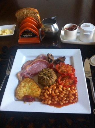 The Bank Guest House: Breakfast- made to order and very generous!