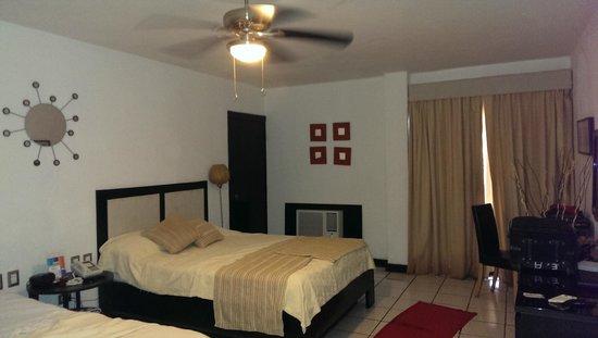 Coral Costa Caribe Resort & Spa: Habitacion