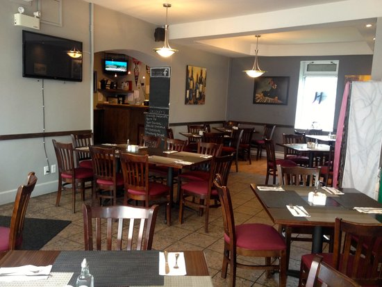 Humphry's Restaurant and Pub: Dining Room