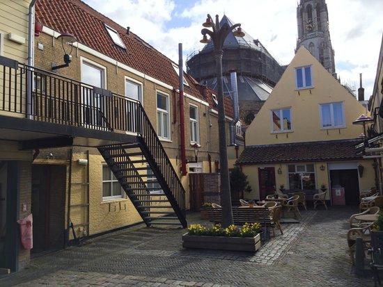 Hotel de Emauspoort: atrio