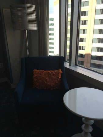 Renaissance Arlington Capital View Hotel: Sitting Area