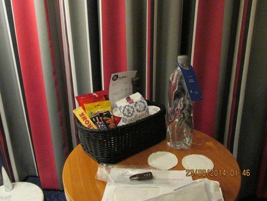 Inntel Hotels Amsterdam Centre: Room