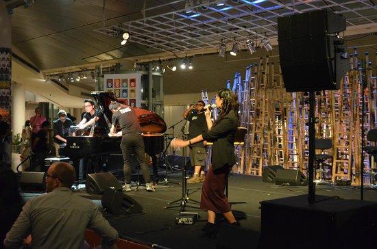Waterfront Promenade: Free indoor concert at the Promenade