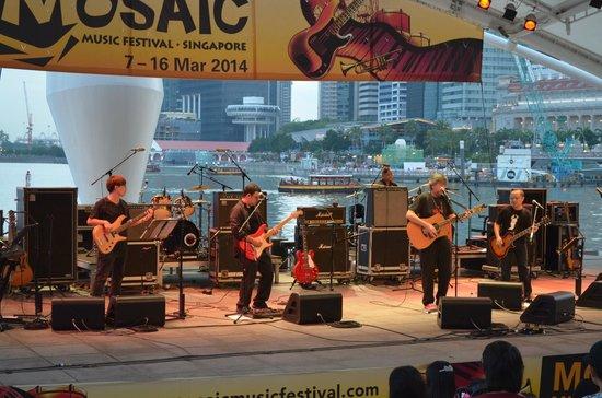 Waterfront Promenade: Free outdoor concert at the Promenade